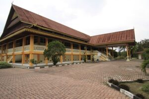 https://sysdyn.org/wp-content/uploads/2020/06/Museum-Sang-Nila-Utama-Pekanbaru-300x200.jpg